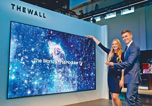 三星146寸电视墙厉害,LG可卷屏幕电视更逆天