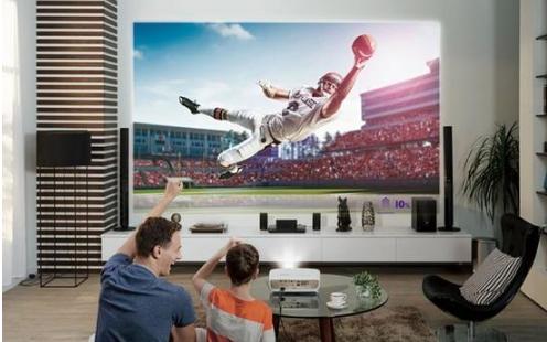 家用投影机4K和1080P之间如何选择? 沙发管家教你选购方法
