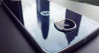 Moto Z Play谍照:金属加玻璃 镜头凸出明显