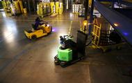 紧跟领跑者亚马逊 美国快递物流纷纷布局机器人