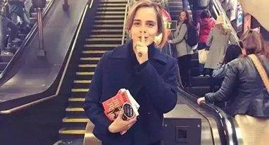 赫敏在地铁丢书,我在地铁丢耳机,结果……