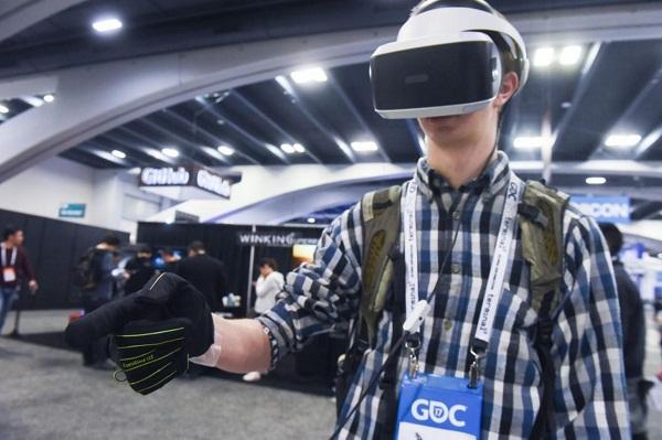 VR/AR可穿戴手套CaptoGlove参展E3 2018