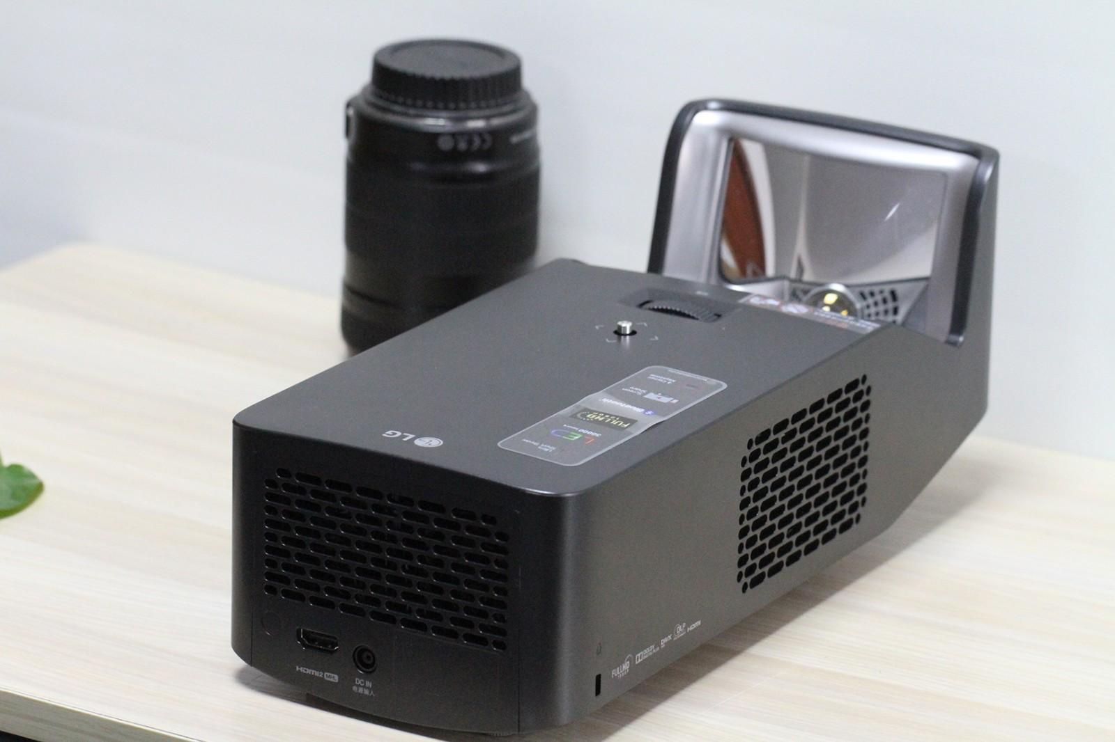 智能家庭影院 LG短焦投影仪PF1000UG评测