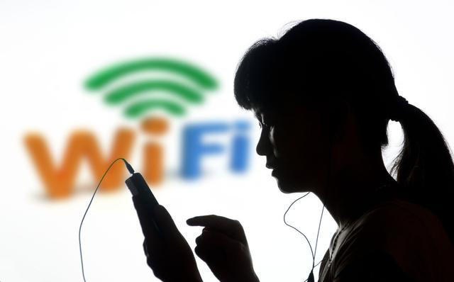 无线路由器被蹭网后如何防止被黑?记住这个方法!