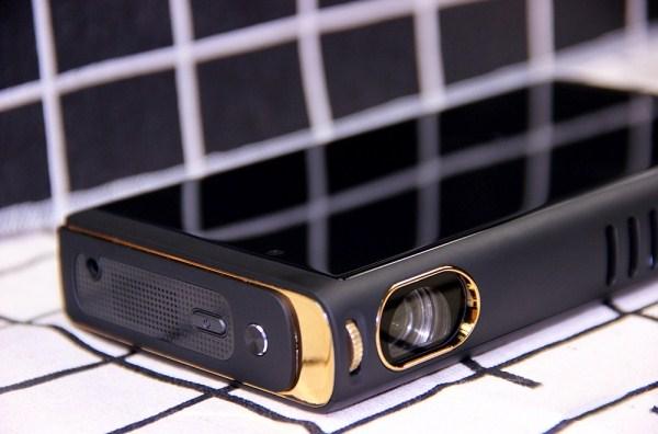 网时代P29便携式投影手机综合评测