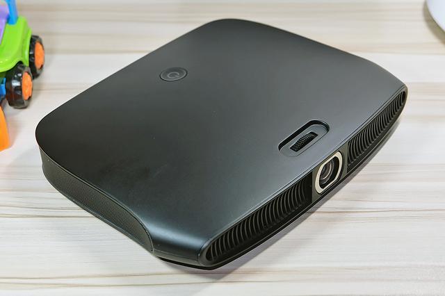 兼具投影与电视盒子功能的一款投影仪-微投乐V8体验