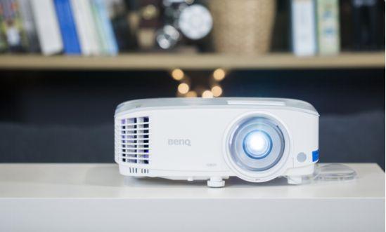 在家里看大片!明基i705投影机开箱美图分享