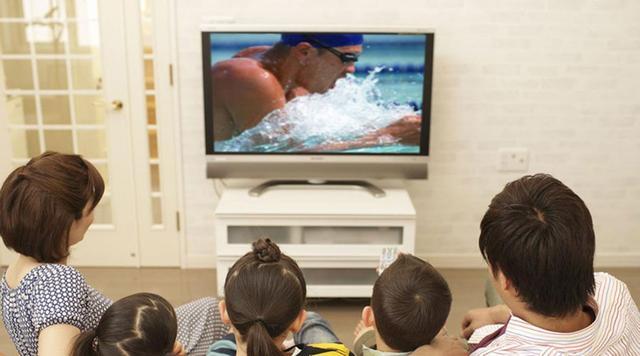 揭秘:看电视真能放松大脑吗?小心走进误区!