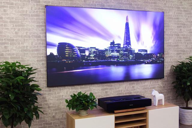 智能电视无法实现的100寸大屏高清激光投影体验