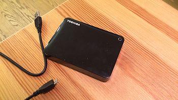 #原创新人# 可以照镜子的移动硬盘:TOSHIBA 东芝 Canvio 分享系列USB3.0  2TB移动硬盘