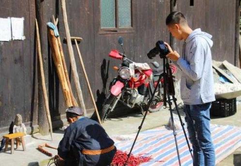 农村短视频的内容变迁:从自虐杀马特到回归田园生活