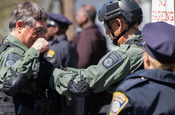 《恐袭波士顿》911后最严重的恐怖袭击,腾讯TV版全网首播
