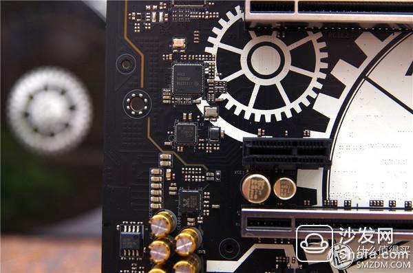 声卡芯片是realtek的acl1150,但是这里使用了两颗ti德州仪器的ne5532