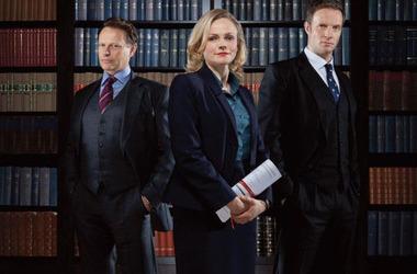 家里的智能电视怎么观看美剧《皇家律师》