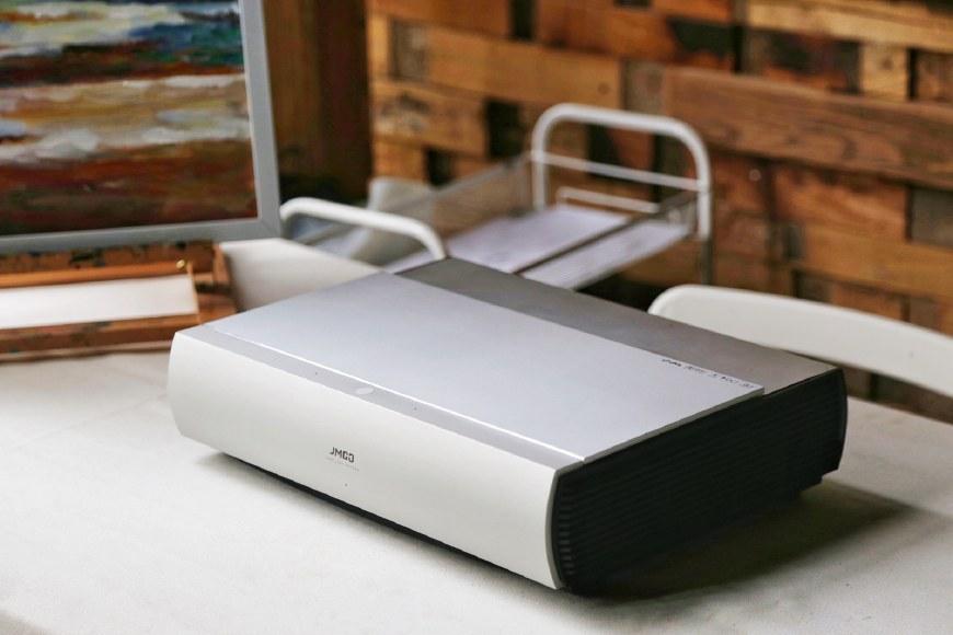 万元无屏电视PK传统液晶电视 坚果SC激光电视评测