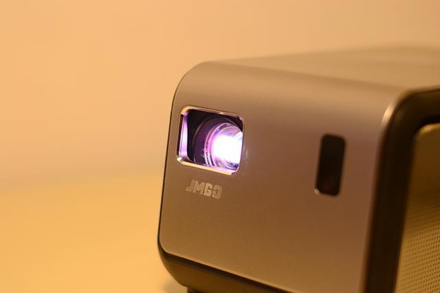 1080P物理分辨率,真高清千流明投影,坚果J6新品体验