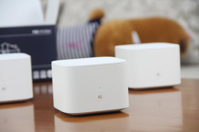 家庭无缝覆盖新时代,用荣耀分布式路由替换掉难看的Wi-Fi放大器