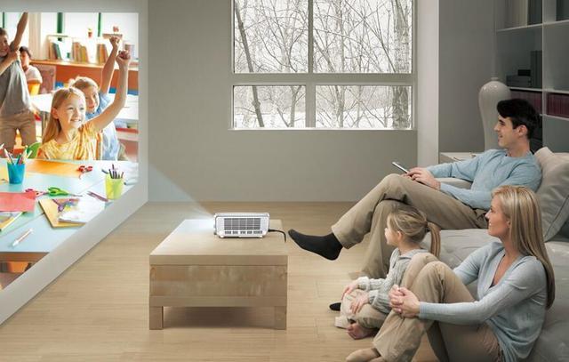 家用投影机存在替代液晶电视的可能,但为时尚早