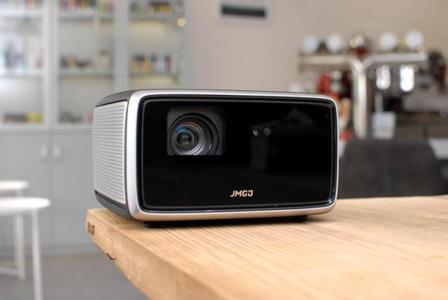 买电视不如买投影?—— 坚果W730投影仪体验