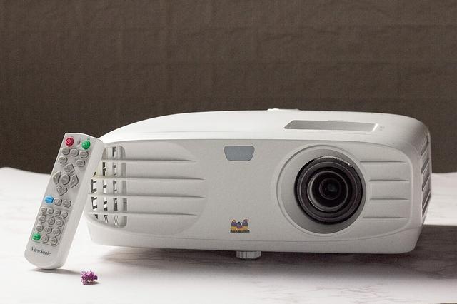 高亮商务新选择 优派THD701投影机组图赏析