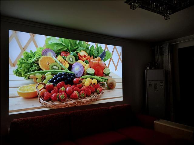 在家也想体验大屏观影?300寸坚果投影了解一下!