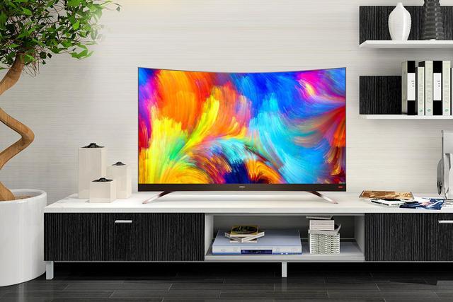 故意将电视屏幕做成弯的,会刷新你的视觉体验