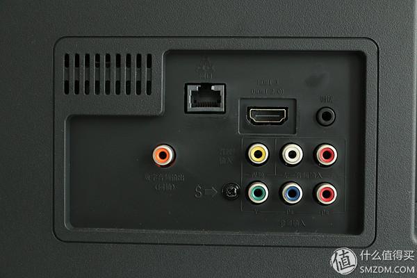 3.0接口、两个USB 2.0接口,一个PCMCIA接口.▼   扬声器一边一个
