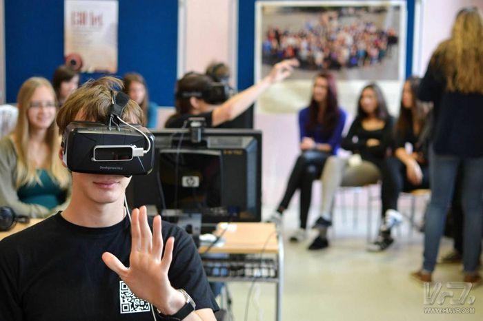 数字化学习助力教育资源均衡化 VR新技术将带来教育领域深刻变革