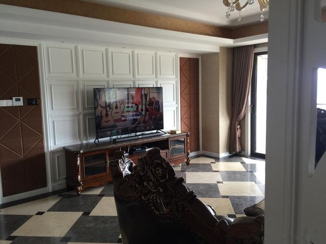 今天入住新房,婆婆送我的小米最新款电视