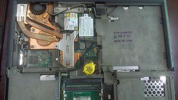 笔记本拆机清灰 篇五:IBM  T60不完全拆机更换硅脂
