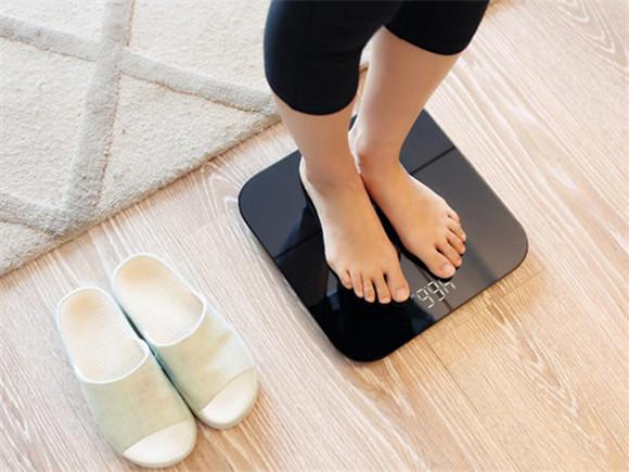 确认过眼神你不是肥的人 华为智能体脂秤助你瘦得健康