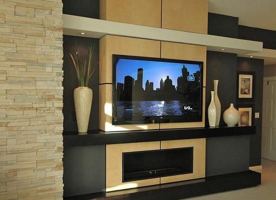 互联网品牌搅局电视市场 软硬齐发展抢占客厅经济