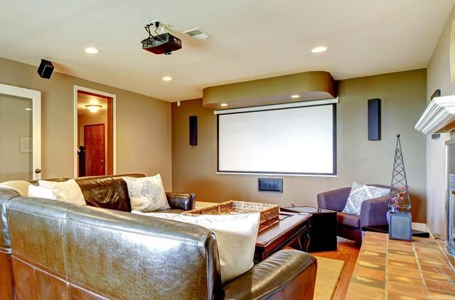 家用投影机幕布如何选?怎么选?