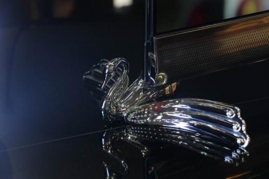 超亮眼!IFA2017长虹展出奢华水晶电视