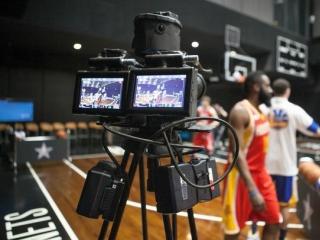 如何在Gear VR上观看VR版NBA比赛