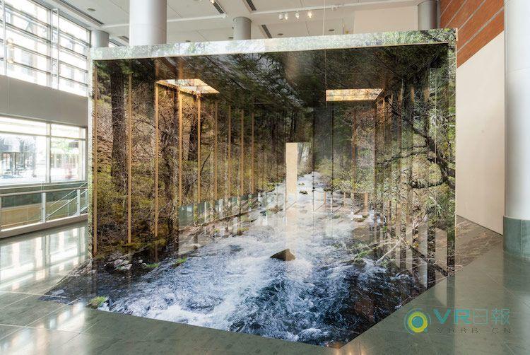 这个沉浸式3D装置邀请你走进一张巨幅照片