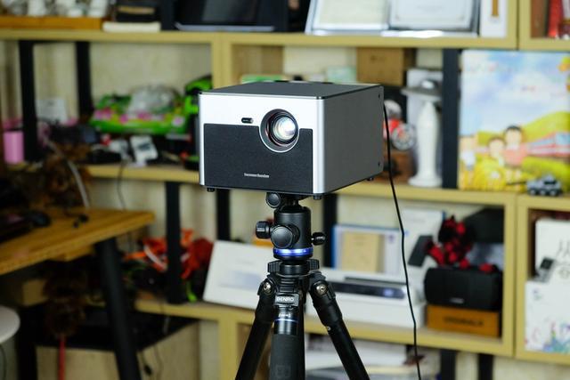极米H2 Slim无屏电视体验 小身材也有高亮度