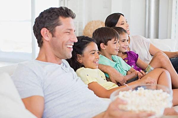 给爱一份纯真色彩 4K电视选购怎能没这几款