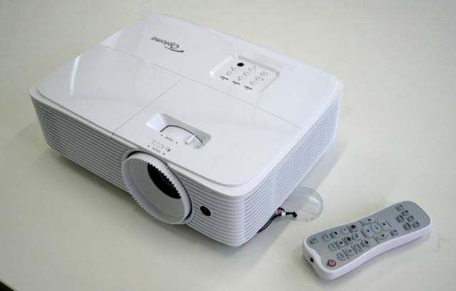 家庭投影高性价比选择!奥图码HD290投影机评测