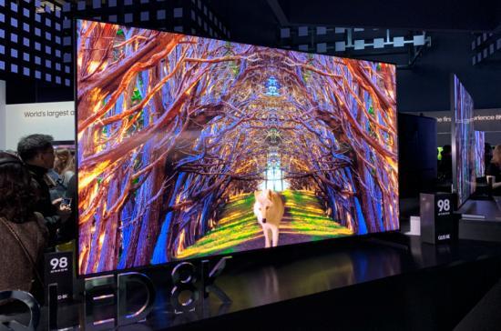 """三星LG索尼集体发力 但8K电视仍然面临一只""""拦路虎"""""""
