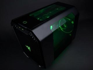 Razer定制款MAINGEAR R2 PC登场