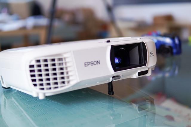锐利画质 真色彩,LED微投杀手?爱普生CH-TW650投影机体验