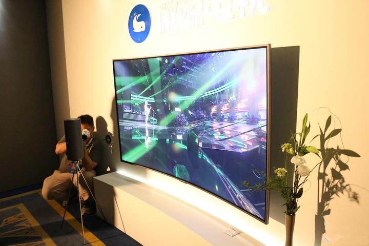 微鲸78英寸曲面电视体验