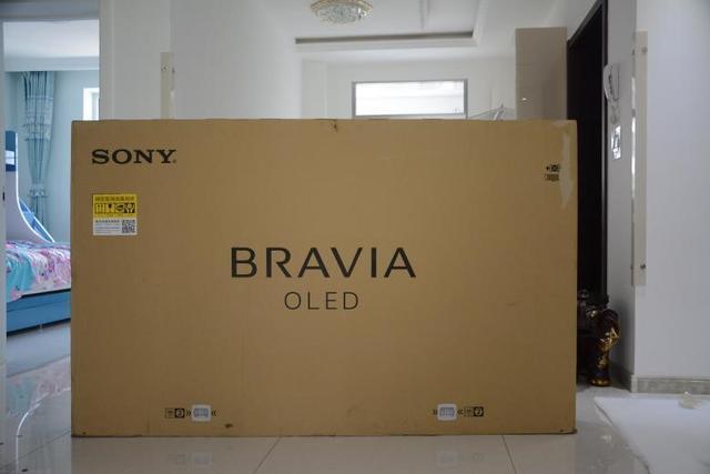 大法家77吋OLED电视评测  颠覆传统屏幕发声音画合一