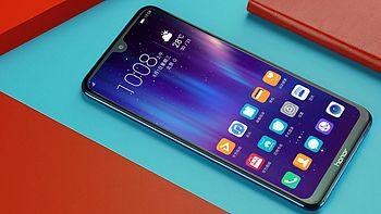 手机评测 篇五:超90%屏占比只要1499元?屏霸荣耀8X Max评测