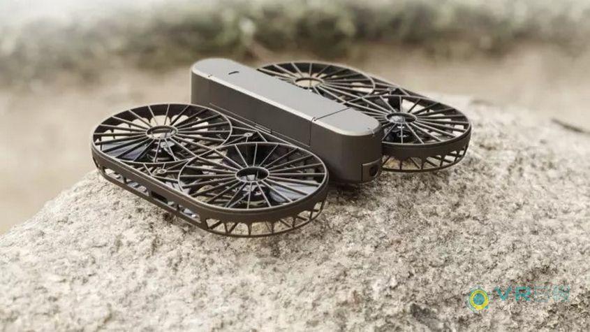 这款无人机采用可折叠设计 支持自动跟拍