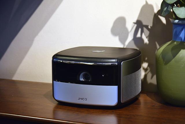 七大亮点 首款家用 4K智能投影坚果X3评测