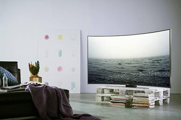 到底该不该买曲面电视?看完后你就明白