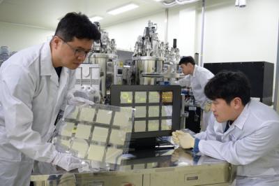 ETRI开发透明石墨烯电极柔性OLED