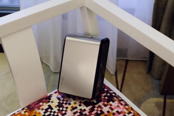 坚果J6新品: 市面上尺寸最小的1080P投影, 外形炫无比
